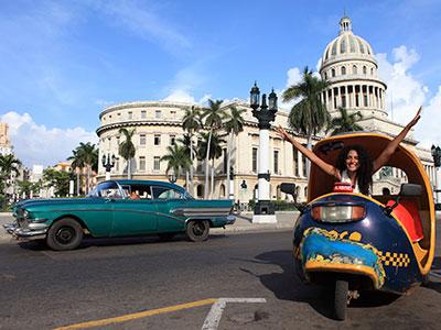 Motocyclette originale à la Havane à Cuba